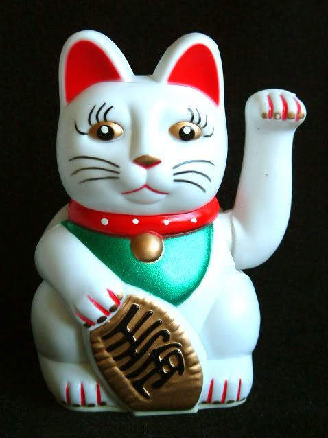 Chinese Feng Shui White Waving Fortune / Lucky Cat 5H